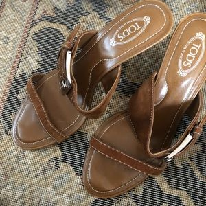 Great condition women tods shoes leather
